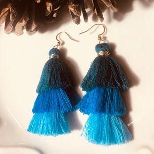 Beautiful Fashion Earrings fringe three colors